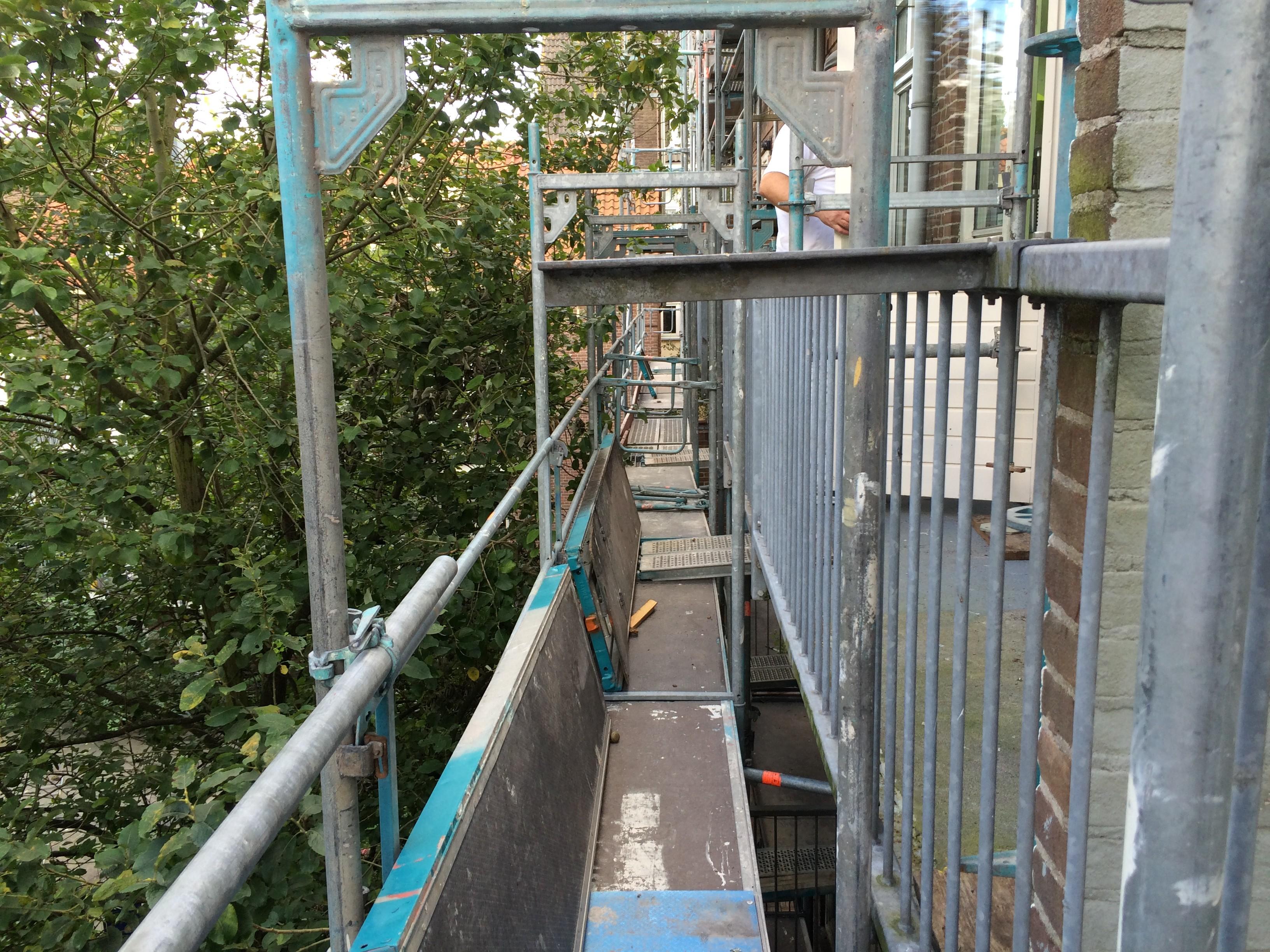 BKT_amsterdam_VvE_gevel_dak_balkon_ondrhoud_zinken_goten_bestek_aanbesteding_Ben_Viljoenstraat_directievoering_02.jpg