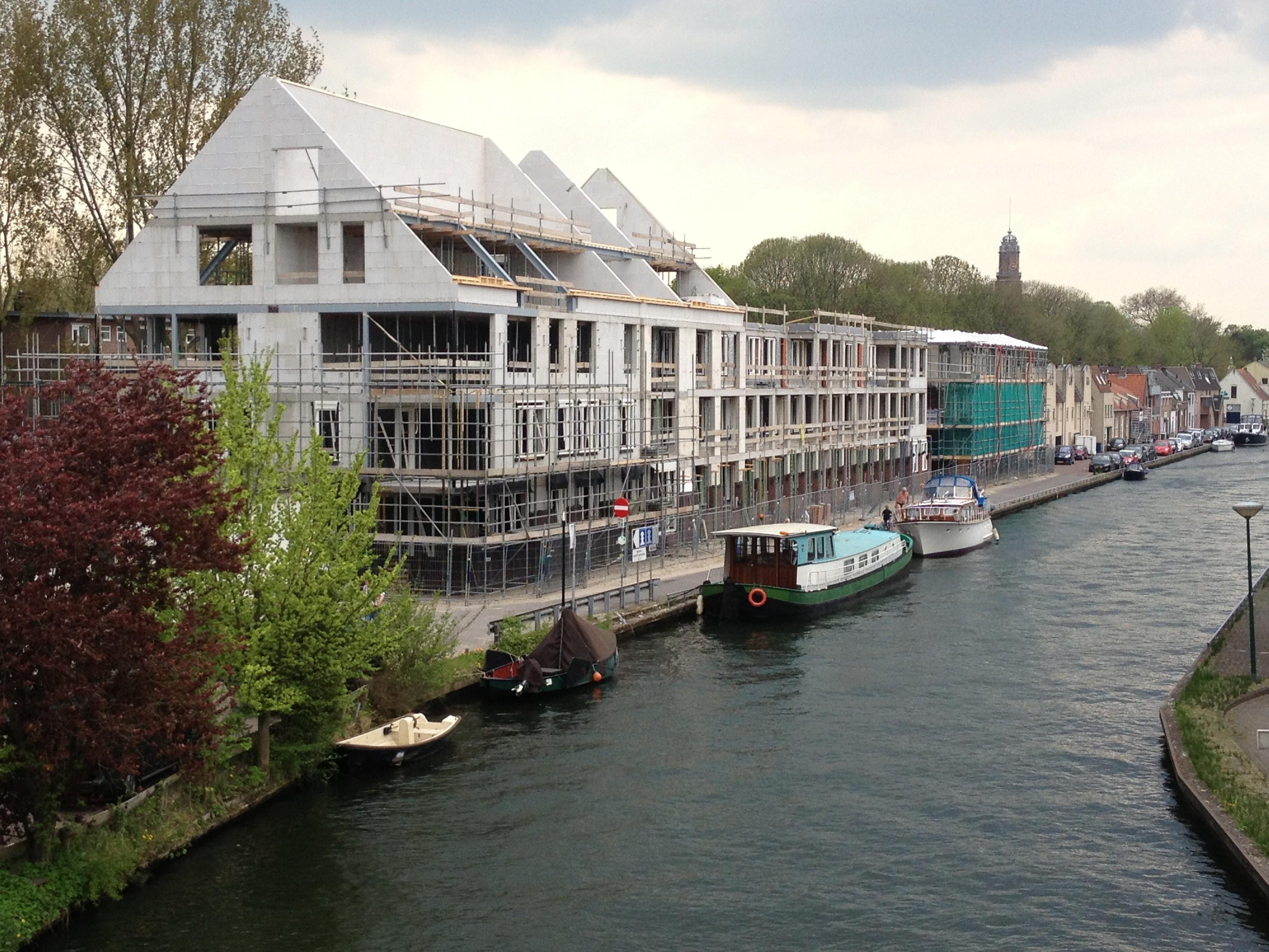BKT_provides_devriesenverburg_IJsselstein_appartementen_Panoven_parkeerkelder_schuindak_metslwerk_zink_bouwbord_Cubord_Esbi_08.jpg