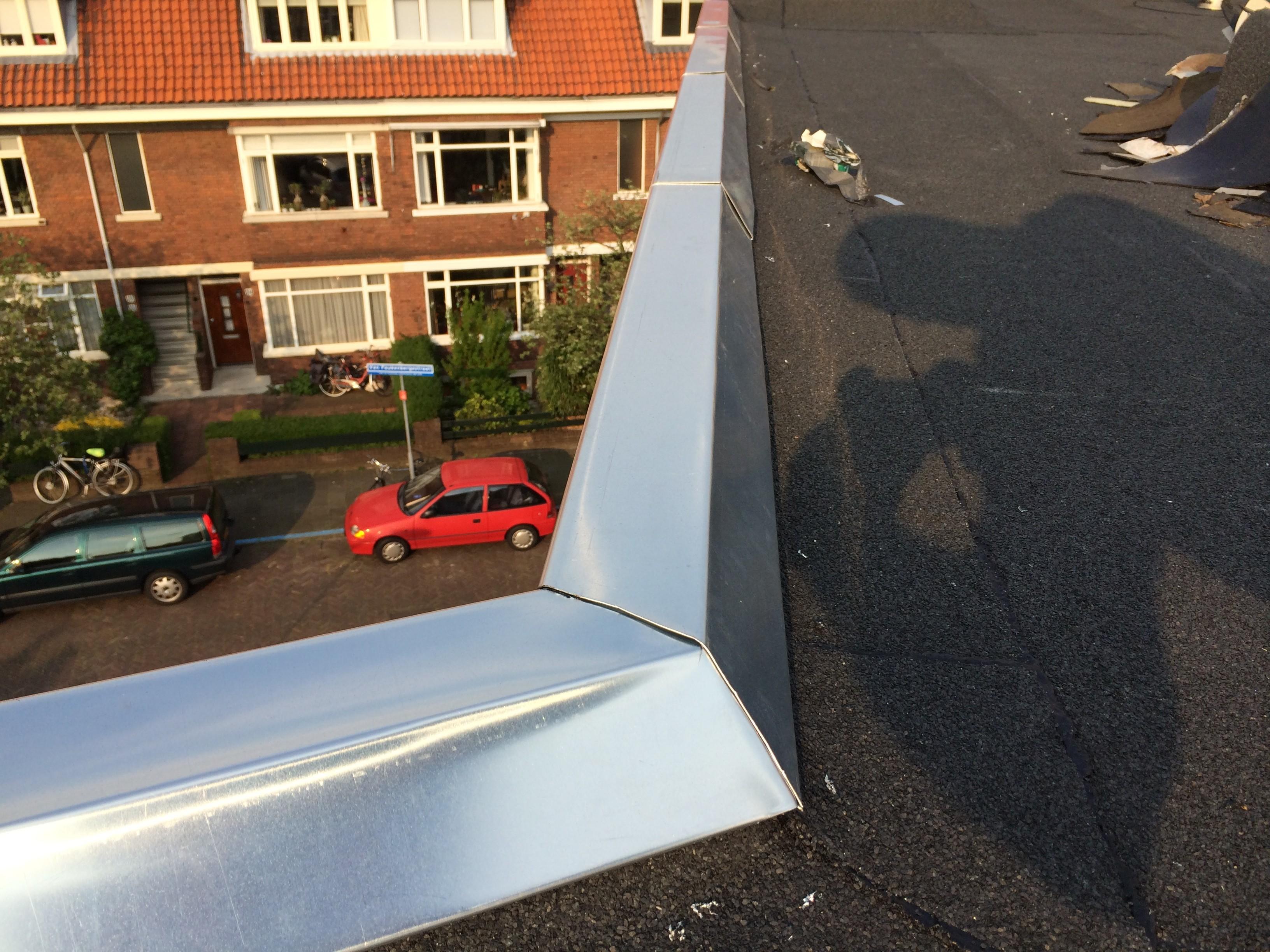 BKT_VvE_dak_renovatie_lood_zinken_randstroken_bitumen_bouwmanagement_toezicht_aanbesteding_voorburg_02.jpg
